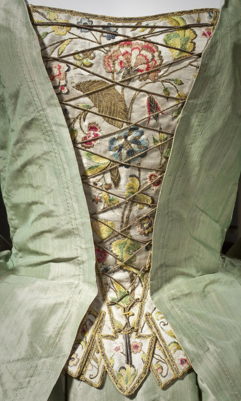 1725 French Floral Brocade