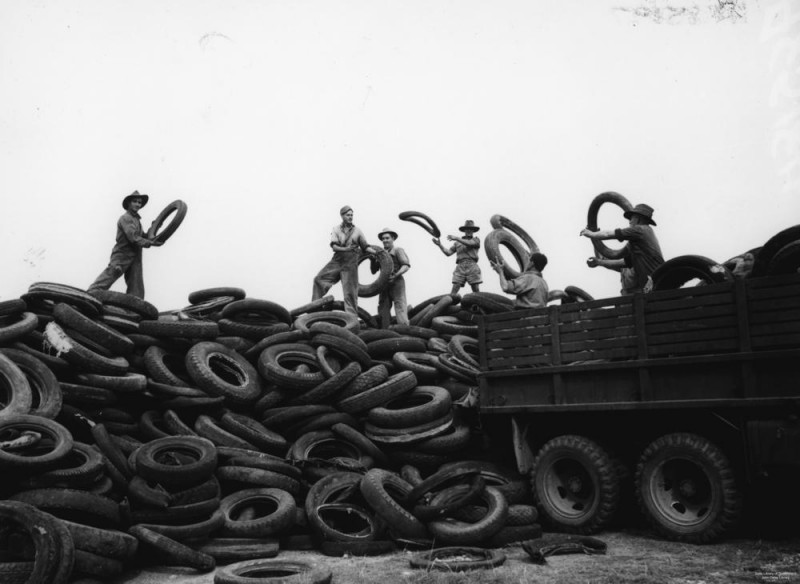 tyres_dump_at_an_army_salvage_depot,_1942